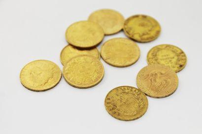 LOT DE 10 PIECES en or jaune composé de Napoléon,...