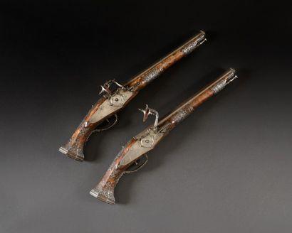 Magnifique et rarissime paire de pistolets à rouets de Lazarino Cominazzo. Longs...