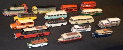 16 Miniatures Autobus et Autocars
