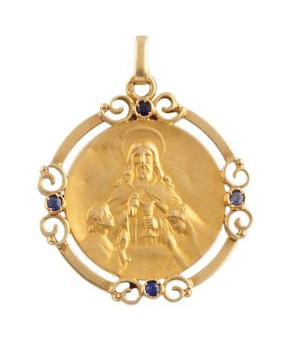 MEDAILLON en or jaune au portrait de Jesus,...