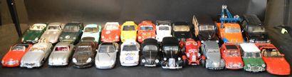 Lot de 25 miniatures au 1/18 et 15 miniatures...