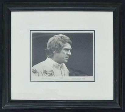 « Le Mans, Steve Mc Queen »  Photo en noir...