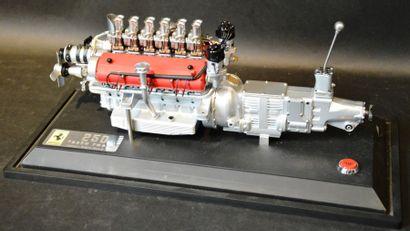 """""""Maquette GMP, moteur Ferrari Testa Rossa"""" Maquette de moteur et boîte de vitesses..."""