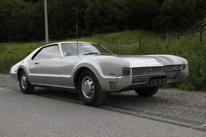 1967 OLDSMOBILE TORONADO Châssis n° 396877M600928...