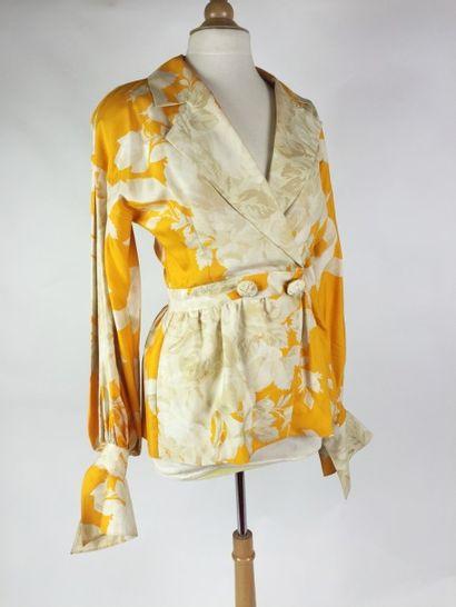 Christian DIOR Boutique VESTE en soie dans les tons orange et beige, imprimée à motifs...