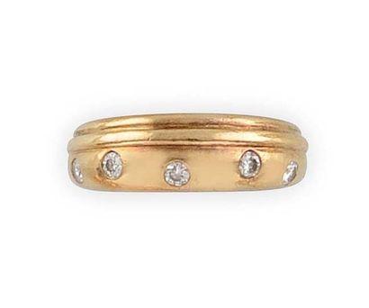 BULGARI BAGUE en or jaune sertie de diamants...