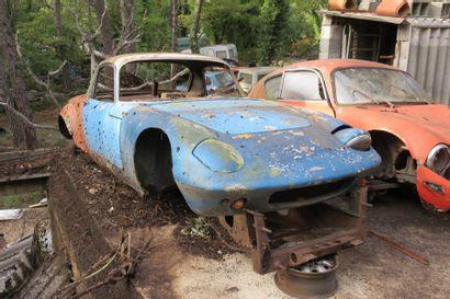 LOTUS ELAN    La Lotus Elan marquera l'histoire comme étant la voiture qui fit passer...