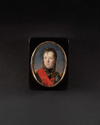 Jean-François HOLL IER (Chantilly 1772 - Paris 1845) Rare tabatière dite «de présent»...