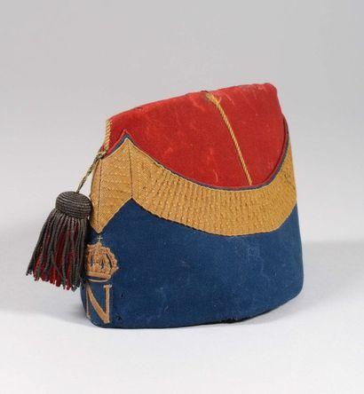 Bonnet de Cent Garde en drap bleu et écarlate....