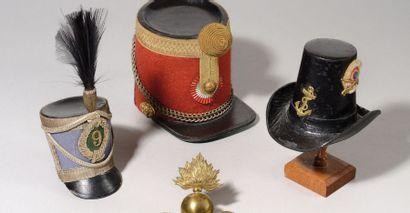 Deux coiffures miniatures type Sandre. -...