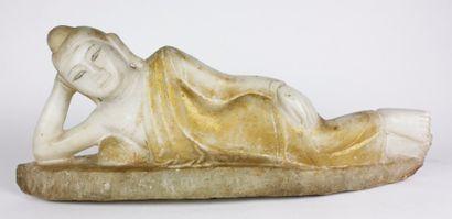 BIRMANIE Statuette en albâtre anciennement...