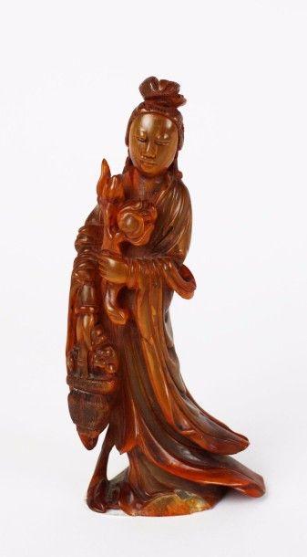 CHINE Figurine en corne sculptée (buffle...