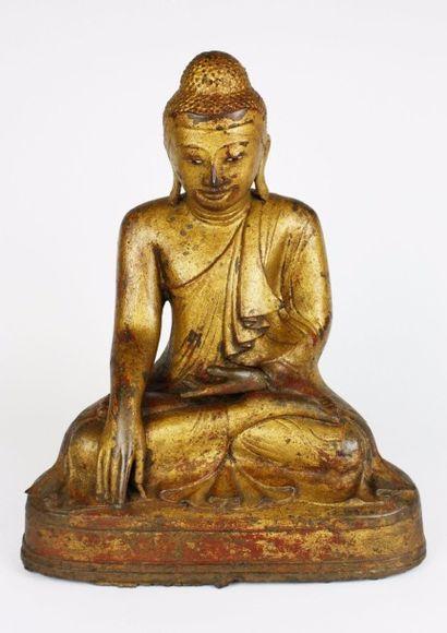 BIRMANIE Statuette en bronze laqué et doré,...