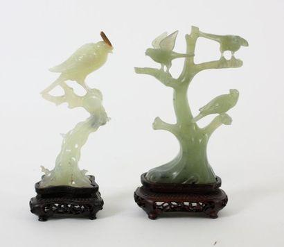 CHINE Deux sculptures en jadéite représentant...