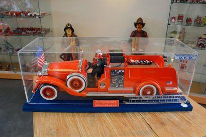 """Maquette par Claude Marino : Auto Pompe Seagrave""  Auto pompe d'incendie Seagrave..."