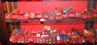 """""""Miniatures de marques """" Lot de plus de 35 miniatures à l'échelle 1/43°. Dont une..."""