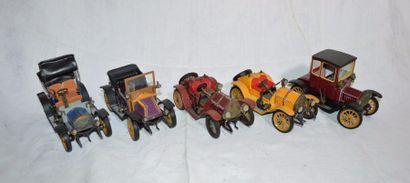 """""""Cinq Voitures Schuco""""  Modèles de voitures anciennes en tôle litho à moteur mécanique...."""