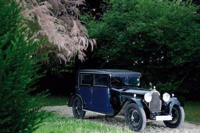1930 Bugatti Type 44 moteur 938 Berline 1930 par « Alin , Liautard &Cie » à Courbevoie....