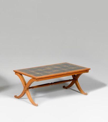 ANDRE ARBUS (1903-1969) Table basse à plateau...
