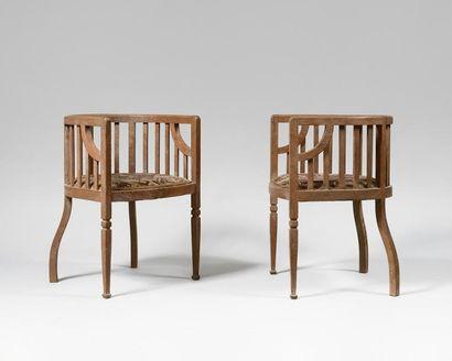 TRAVAIL ANGLAIS VERS 1920 Paire de fauteuils...