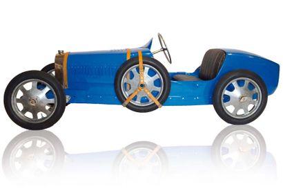 Description de la 52 N° de série 186 Bugatti présenta au salon de l'auto de Milan...