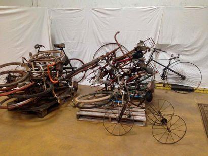 14 vélos plus Pieces de 1898 à 1950.