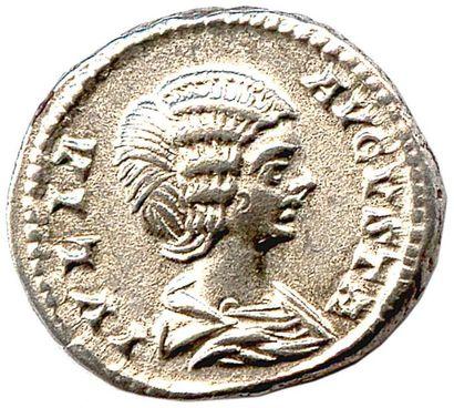 ROME – JULI A DOMNA † 217 Denier d'argent...
