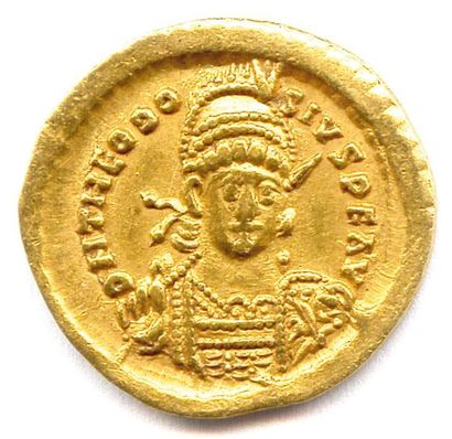 TH ÉODOSE II (402 – 450) Solidus (sou d'or)...