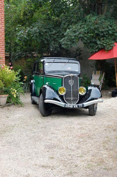 1935  PEUGEOT 401 D   32 000 kilomètres d'origine  Propriété de la même famille...