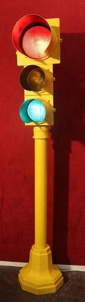 """""""Feu de circulation Tricolore"""" Modèle à trois feux de couleur, origine Américaine,..."""