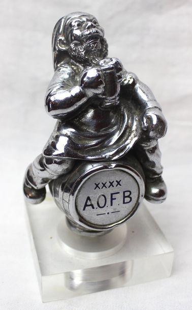 """""""Gnome on a Keg de bière""""  Mascotte Anglaise, marquée """"Birmingham Medal Co. Summer..."""
