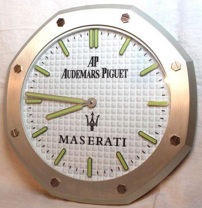 """""""Horloge Maserati""""  Horloge murale hexagonale de marque """" Audemars Piguet """" pour..."""
