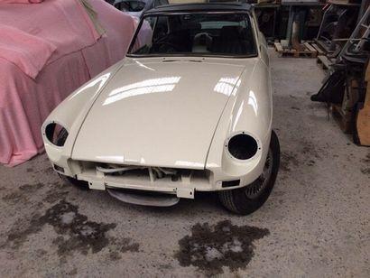 1974  MG B GT  Numéro de série GHD5-341638G...