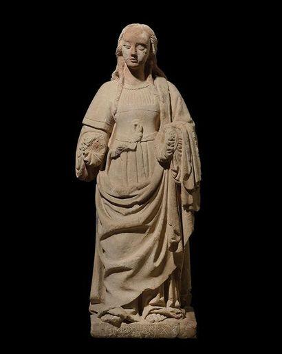 SAINTE FEMME en pierre calcaire sculptée....