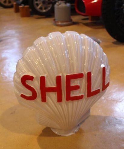 """Globe Opaline- Shell""  Globe Shell en opaline, surmontait les pompes à essence..."