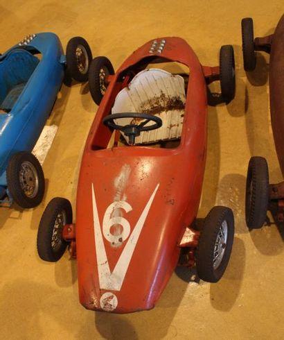 """""""Trois Honda F1- Automobiles pour enfants""""  Trois automobiles à pédales identiques..."""