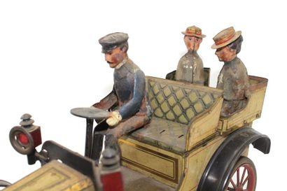«Georges Carette à Nuremberg, Tonneau début XX°» Jouet en tôle imprimée, voiture...