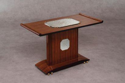 TRAVAIL DE STYLE ART DECO Table d'appoint...