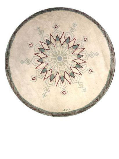 PAULE LELEU (1906-1987) Tapis circulaire...