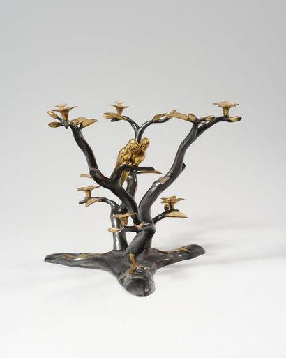 WILLY DARO Piètement de table basse en bronze...
