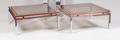 Paire de tables basses carrées à plateaux...