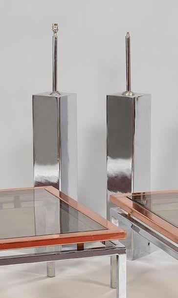 Deux pieds de lampe en fonte de fer chromé...
