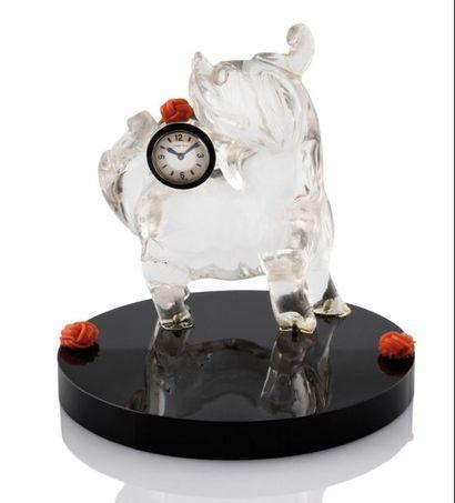 CARTIER European Watch Co  PENDULETTE Art Déco  présentant un chien de fô ou chimère...