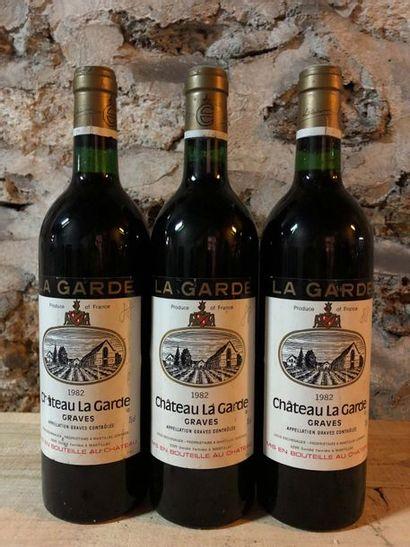 3 Blle Château LA GARDE (Graves rouge) 1982...