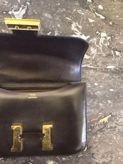 HERMES PARIS Sac constance, en cuir box marron (marques au cuir, dust bag et boite...