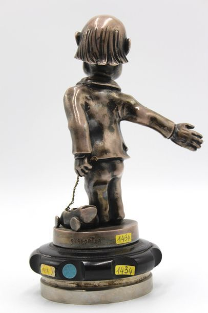 «Homme au jouet»  Mascotte signée Sasportas. Bronze argenté. Montée sur un bouchon...