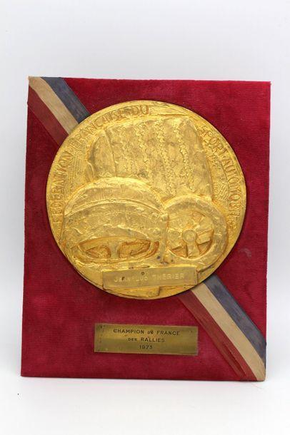 Plaque : « Champion de France des Rallyes...