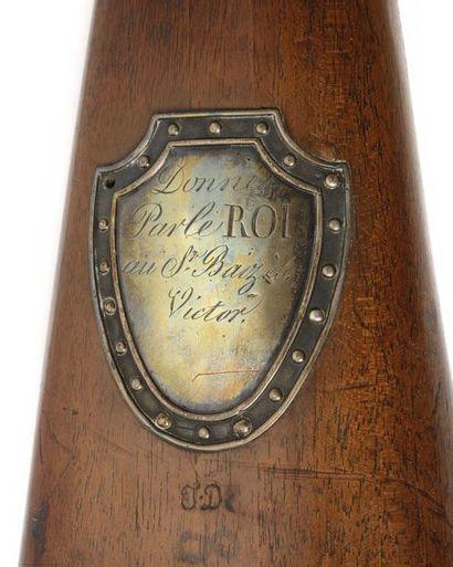 Fusil de récompense à silex « Donné par le Roi » modèle 1817. Canon rond à pans...