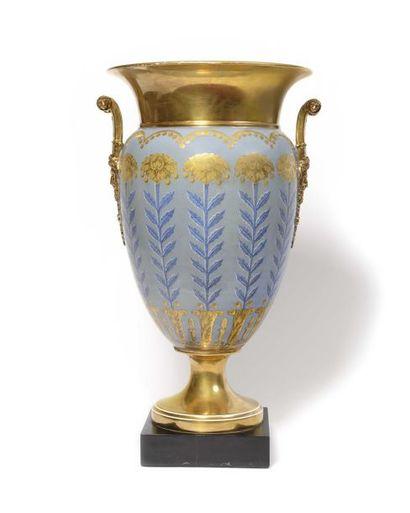 Paris, manufacture de Dagoty Grand vase en...