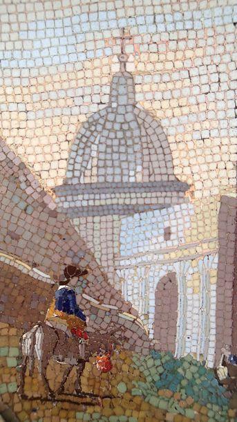 DEUX MEDAILLONS formant pendants en micro mosaïques représentant des ruines romaines,...